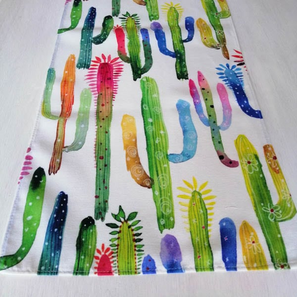 Tischläufer Kaktus in bunten Farben