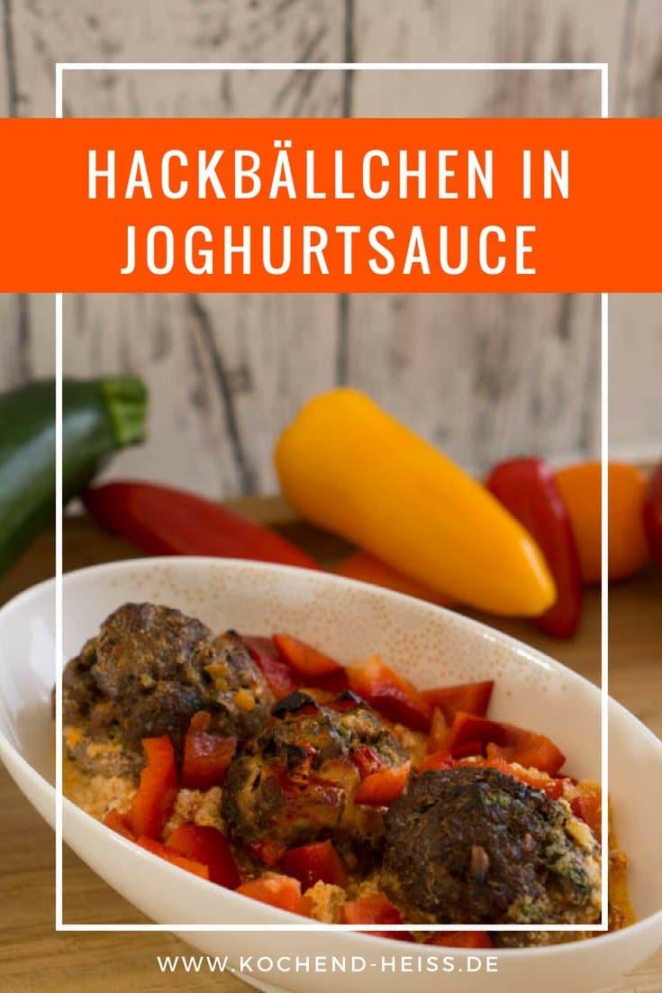Hackbällchen mit Joghurtsauce und Paprika